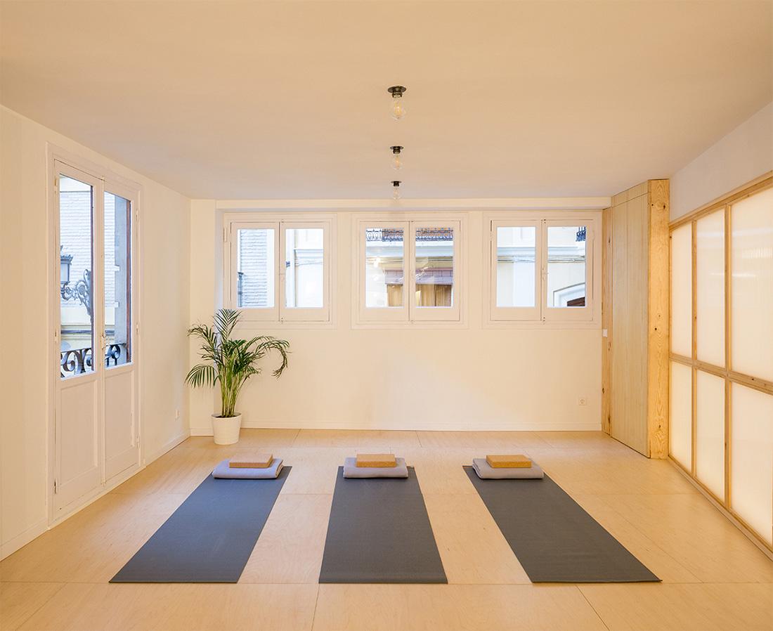 homu arquitectos the yoga box proyecto retail y negocio